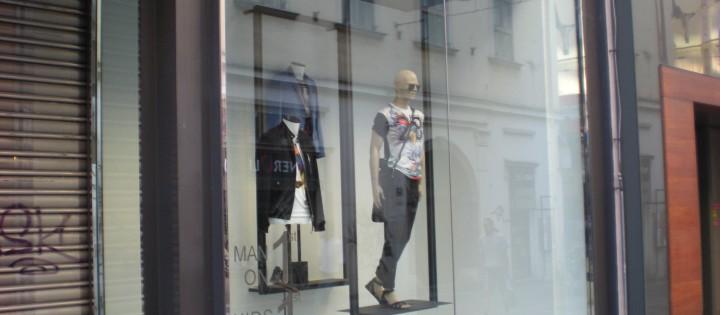 Mytí výloh a odstraňování polepů Praha
