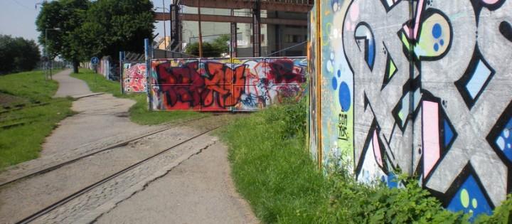 Odstranění graffiti z neošetřených povrchů Praha