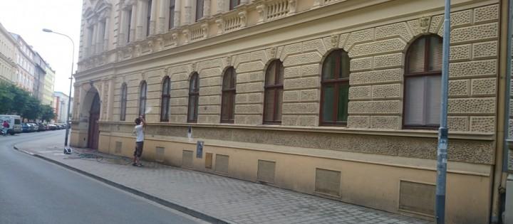 Mytí fasád ve výšce, odstranění plísní Praha